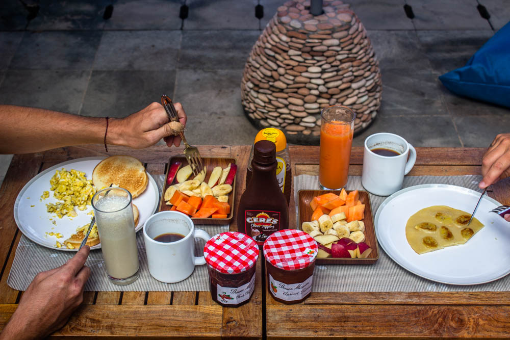 DHM surf and stay healthy breakfast